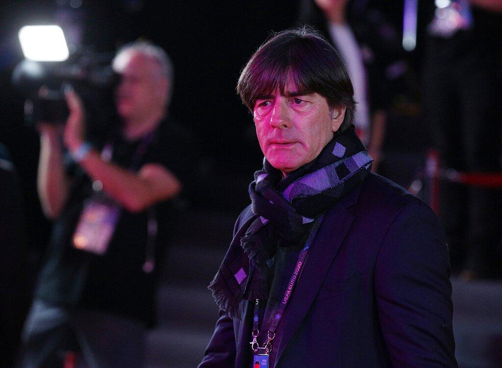 勒夫等人观战多特VS门兴,提早熟悉欧洲杯安全查看办法