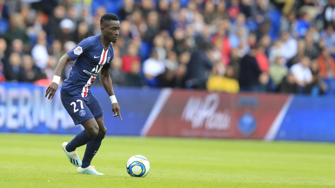 法媒:曼联和狼队重视巴黎中场盖耶,他可能回归英超