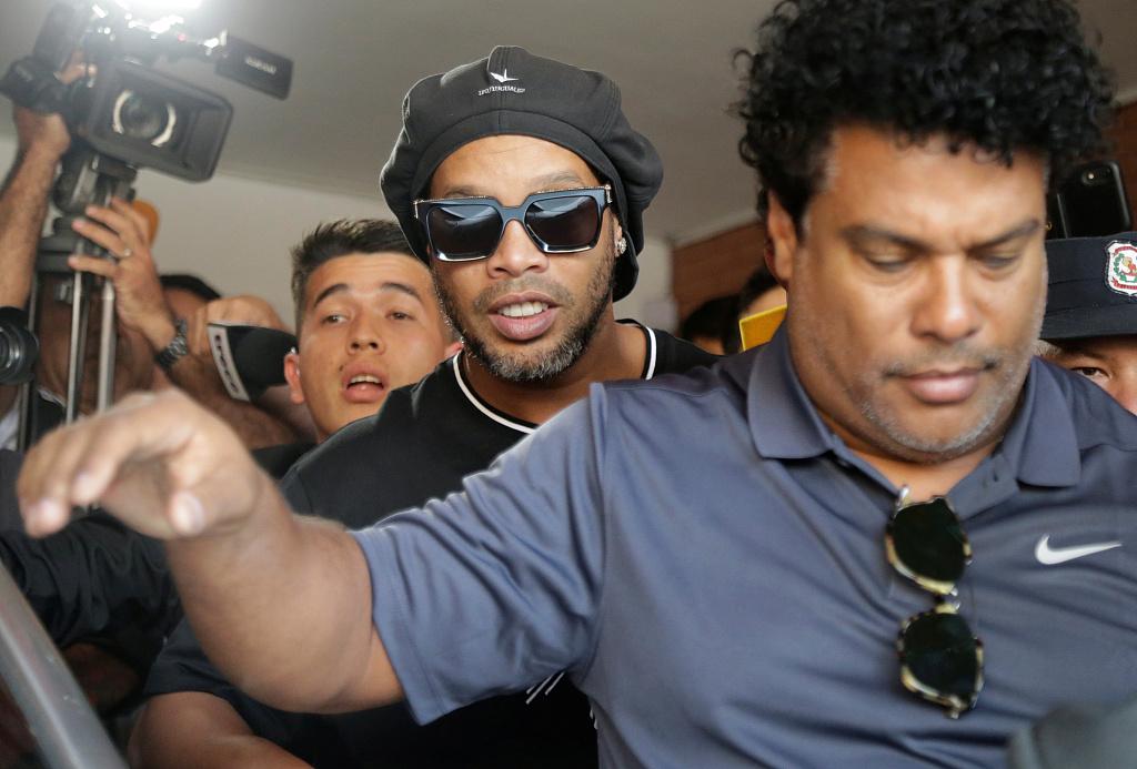 每体:罗纳尔迪尼奥和他的哥哥在本周一已被开释