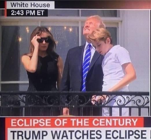 希拉里发推揶揄特朗普:大家不要听直视日食的人的建议