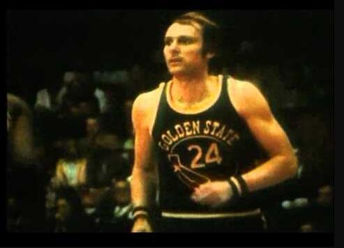 46年前的今天:里克-巴里爆砍64+10+9+5 NBA历史首人