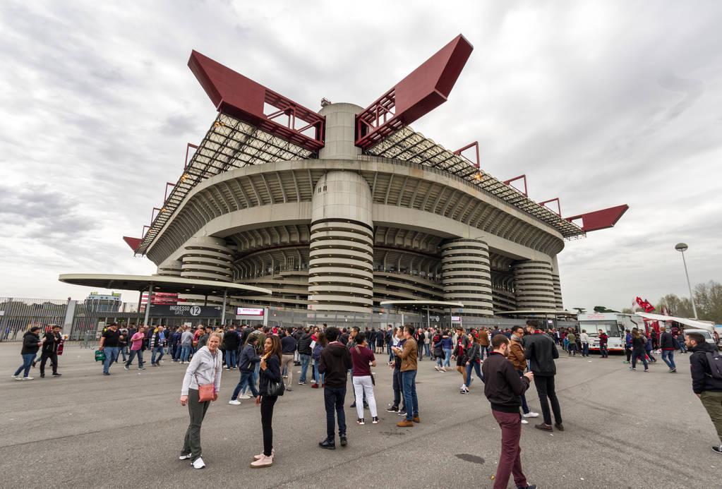 讲话人:埃利奥特已为米兰出资超6亿欧,我们还计划制造新球场