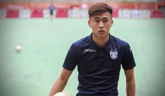 记者:戴伟浚曾被邵佳一举荐跨级进国奥练习 未来还应去欧洲