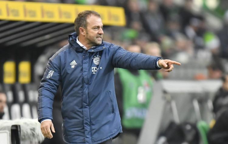 踢球者:拜仁想先卖人再引援,或许会签右后卫、边锋和中场