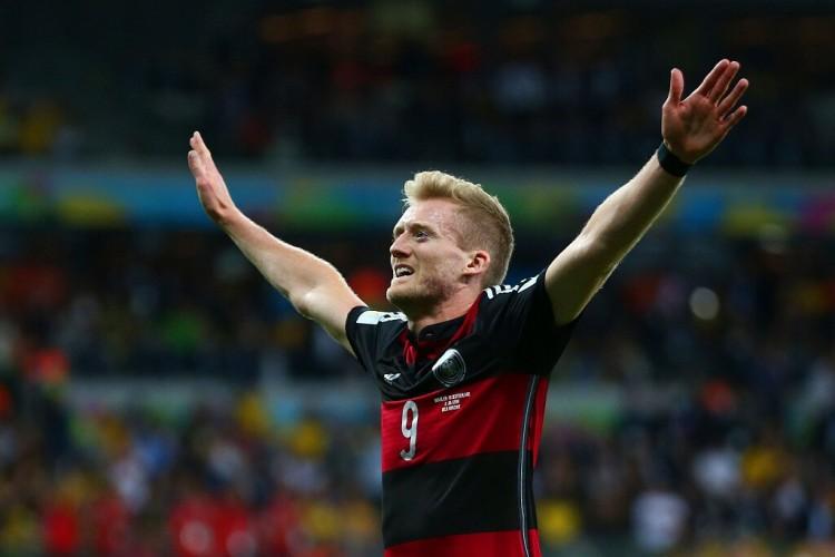 许尔勒力挺勒夫:要给他时刻,拭目以待欧洲杯的情况   