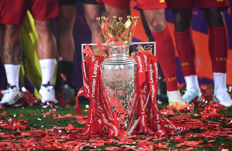 利物浦承诺未来举行英超奖杯欣赏活动,奖杯现在存放沙龙博物馆