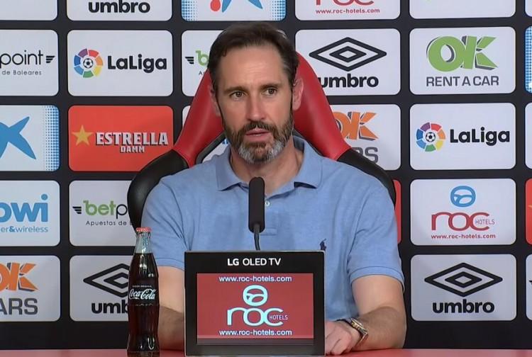 西班牙人主帅:不会评价主裁的判罚,我们需求自我批评 