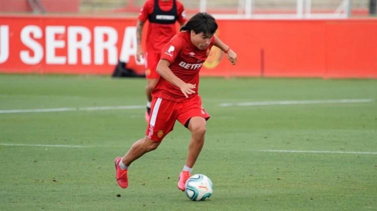 英媒:曼联有意马洛卡15岁中场罗梅罗,球员被称为墨西哥梅西