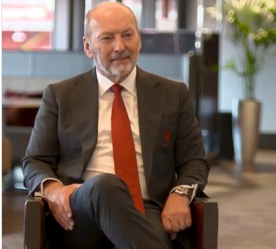赤军CEO摩尔告别信:沙龙履历了3年变革,现在我以完美办法脱离