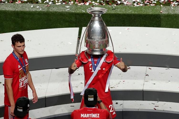 踢球者:卢卡斯现在在拜仁首要效果是庆祝,新赛季他机遇也不多