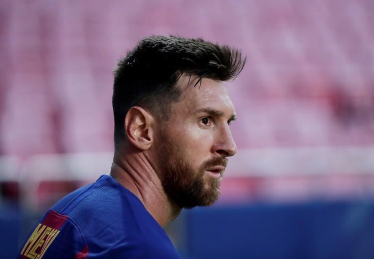 记者:梅西父亲本周三抵达巴塞罗那,与巴托梅乌会晤商洽