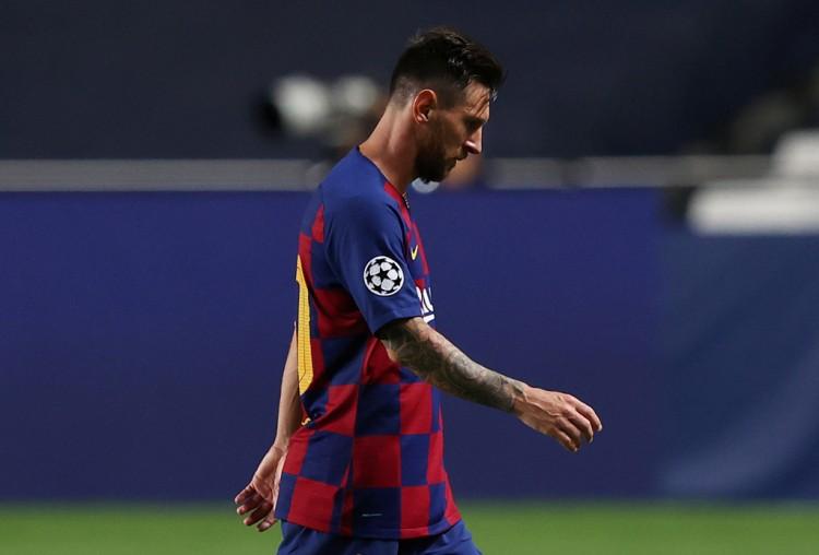 记者:巴黎曼城都被欧足联盯得很紧,想签梅西须有球员参与交换