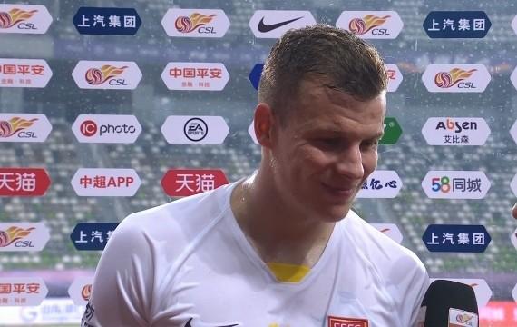 梅米舍维奇:不理解对方为何双脚离地飞铲我 下半场收缩太多了