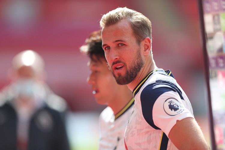 凯恩5轮联赛至今5球7助共造12球,逾越亨利成为英超前史第一人 