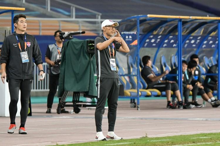 记者:开始谋划新赛季备战,重庆主帅张外龙已回来我国
