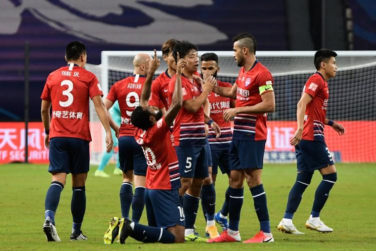 足球报:重庆队从未停止向重庆市求助,成绩越来越好却无人问津