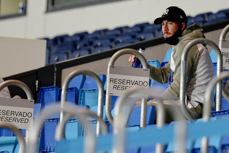 之前确诊新冠的三名球员阿扎尔、卡塞米罗和米利唐,将再次承受新冠检测 