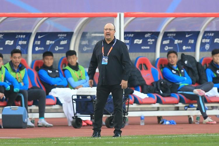 中国足球最大的问题是让球员更多动脑踢球