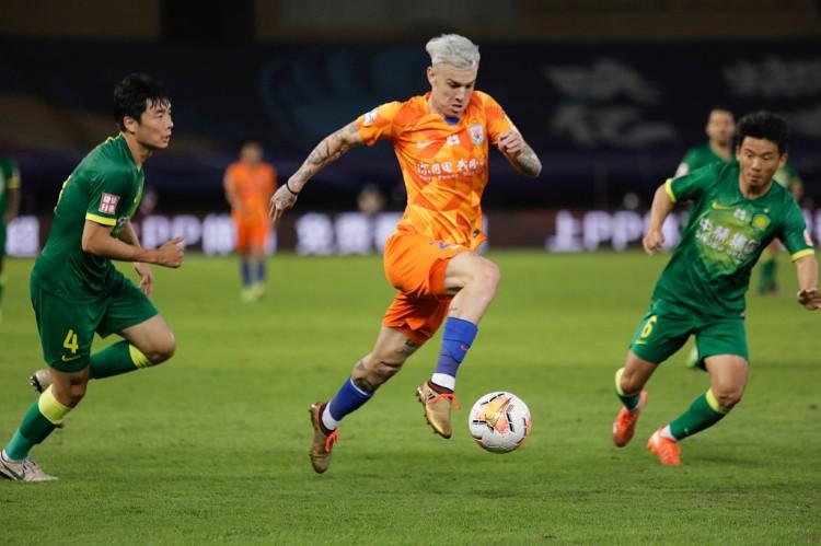 格德斯:在中国踢球的经历让我成熟 为回巴西放弃了一笔巨款