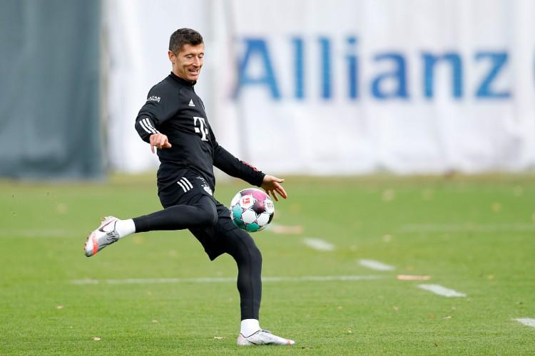 近6个赛季莱万为拜仁打进250球,跨越梅罗排名五大联赛之首