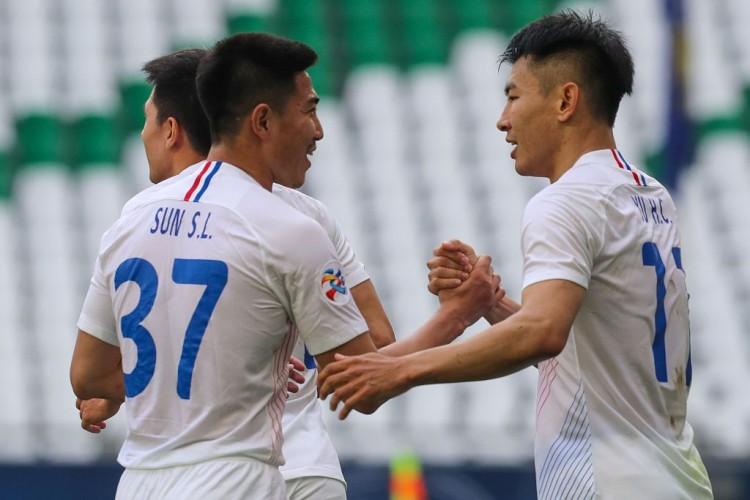 国安与申花分别在亚冠小组赛中制胜墨尔本成功与东京FC  