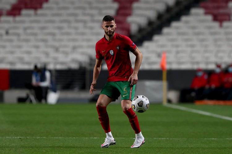 葡萄牙年青后卫:C罗是我们最巨大的人物,仍是一个很棒的队长   