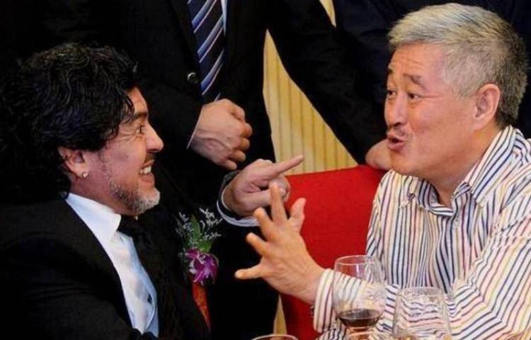 赵本山:马拉多纳是我心中真正的球王 对他的离世感到十分悲伤
