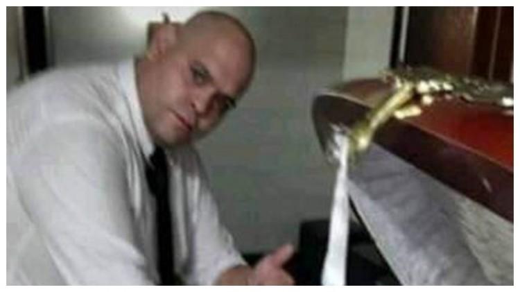 愤怒!有人悄悄与马拉多纳的遗体合照并发到网上