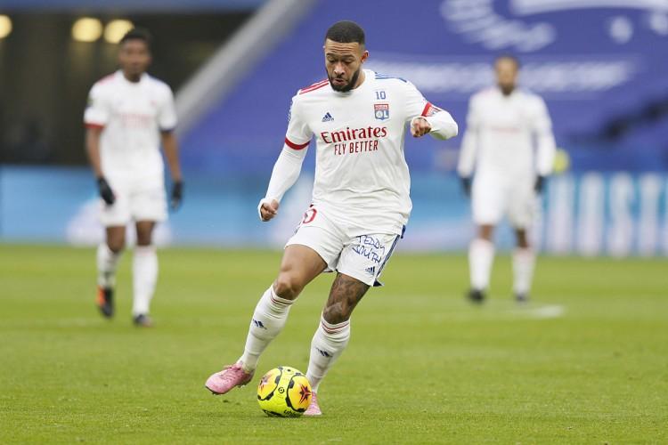 世体:德佩或许留队至赛季结束,里昂希望他为球队争标