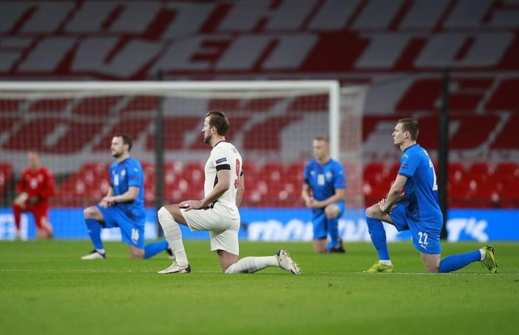 曼联需要一个像哈兰德和凯恩一样的进球机器来协助索尔斯克亚  