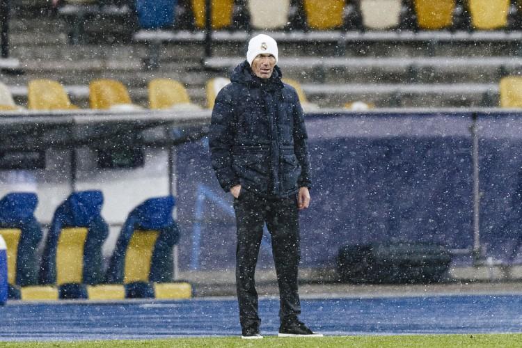 齐达内:我不会让本泽马冒险进场 我们都知道卡塞米罗的进球才能   