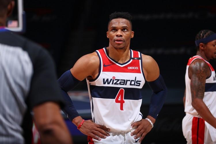 巫師記者:Westbrook因四頭肌傷勢預計至少缺陣3-4週!