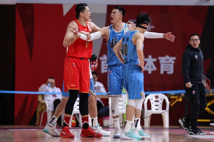 险胜北京。该场比赛终究时刻呈现戏剧性一幕  