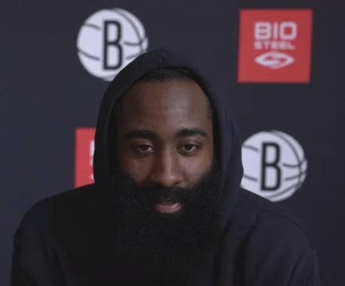 哈登:我没有对任何人不尊重。我在那支球队阅历了所有的起起落落 