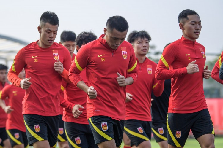 足球报:国足有意在3月下旬集训,并与中超球队进行两场热身