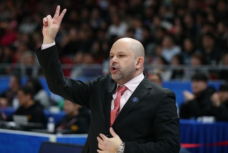雅尼斯回归担任球队主教练,带队持续征战2020-21赛季CBA联赛 