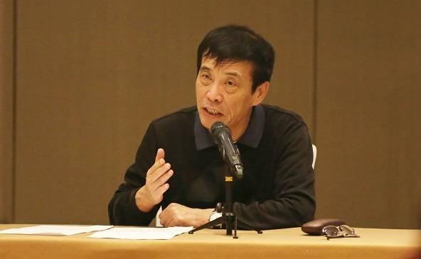 足协主席陈戌源看望集训中的国足,提出四个紧记和四个希望   