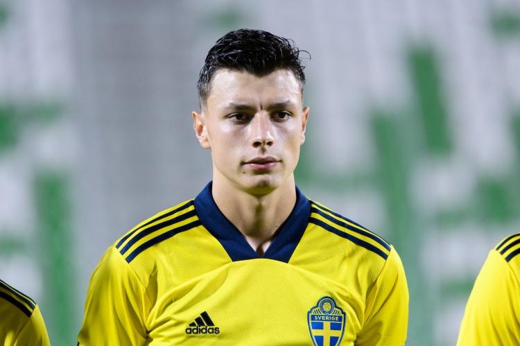 罗马诺:曼联、蓝军重视马尔默中卫艾哈迈德霍季奇,但没有报价