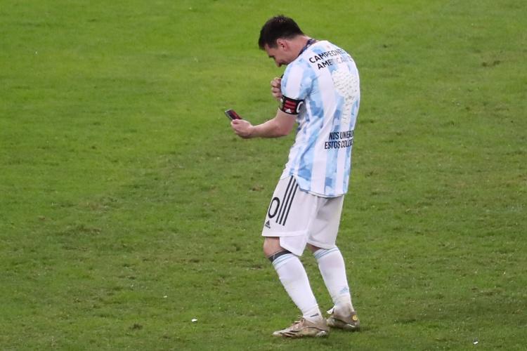 C-罗梅罗:梅西等队友帮助我适应国家队,他们都是最棒的