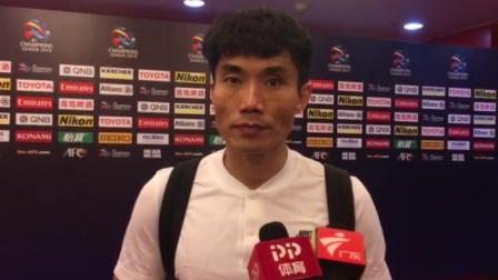 郑智:队内不存在所谓年轻球员 想取胜就必须全情投入